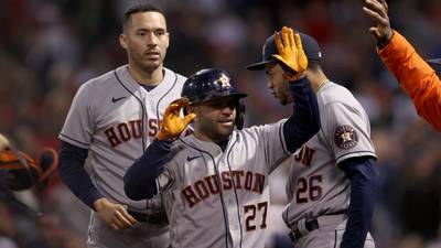 ALCS Game 4: Astros rally late, blow things open in ninth to win, 9-2