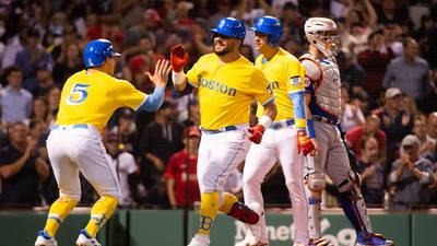 Schwarber, Sale help Boston win 7th in a row, 12-5 over Mets