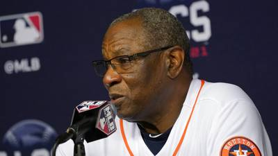 Manager's nightmare: Dusty Baker watches game-tying HR during live interview